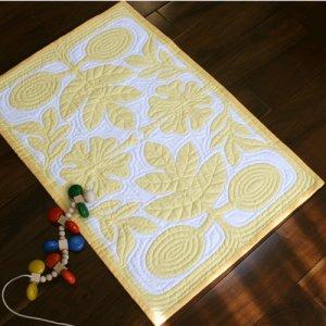 画像1: 黄色いベビーキルト