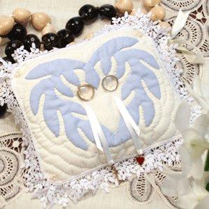 画像: ハワイアンキルトの青いピロー*復刻版キット