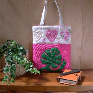画像: ピンクリボンのフラットバッグ